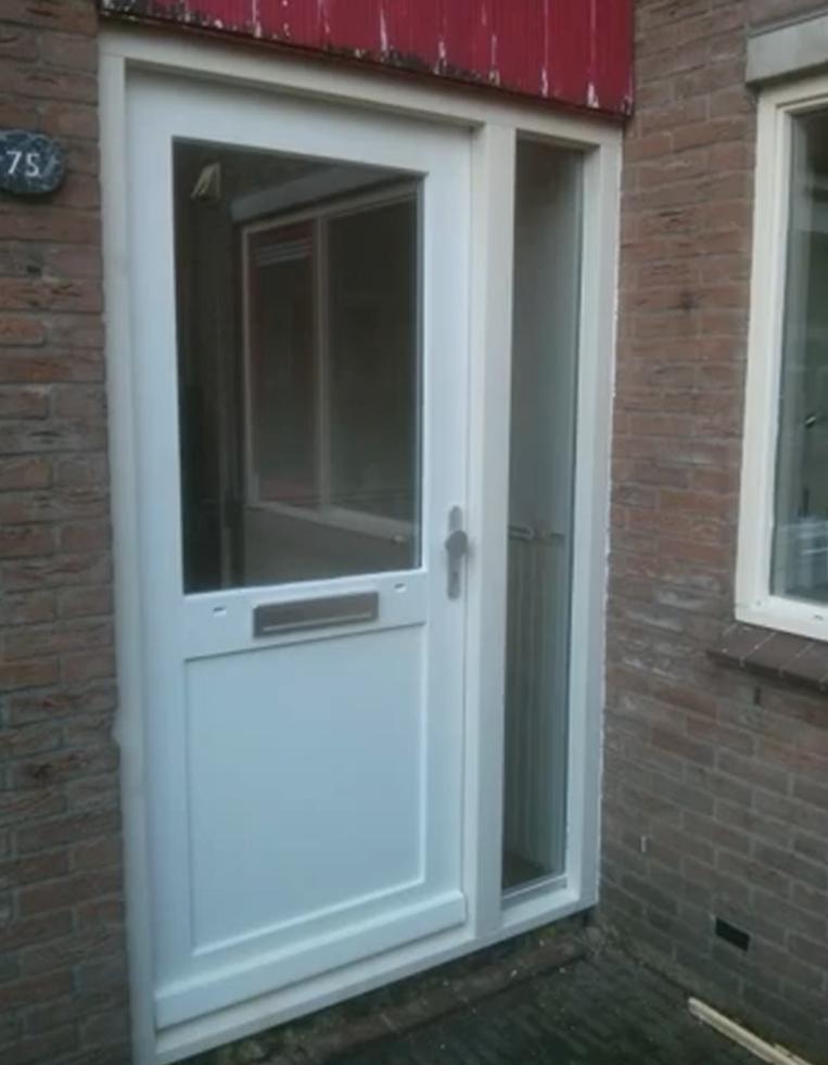 Favoriete Vervangen voordeur kozijn en deur in Kampen. FS02